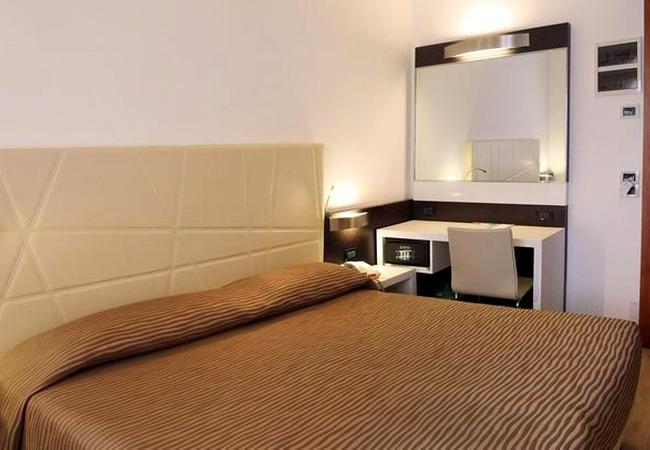 classic-room-814x407_default-650x450