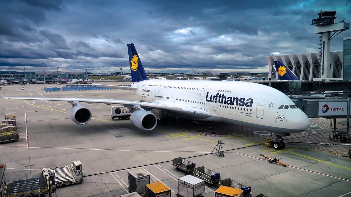 Lufthansa, Debrecen–München