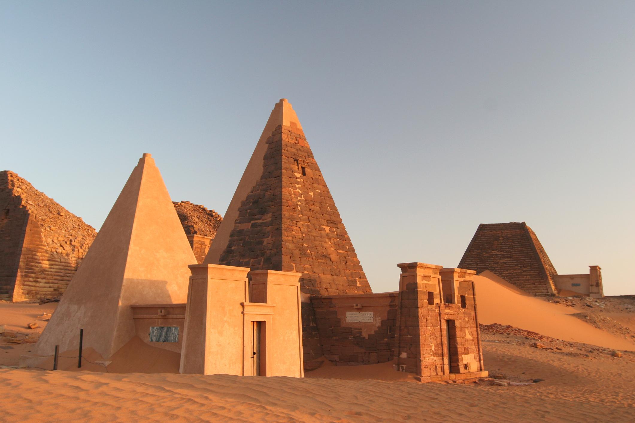 ad5852bfe03a Egyptair repülőjegyek Afrikába 131 900 Ft-tól (5 úti cél + poggyász)